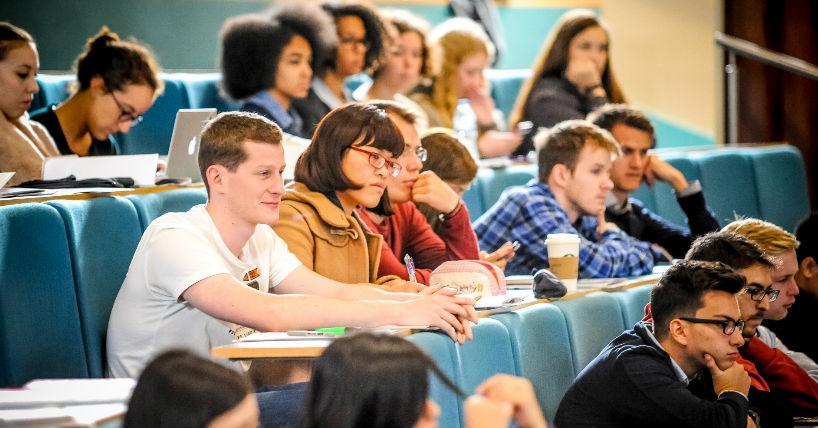 Học đại học là một hoạt động đầu tư?